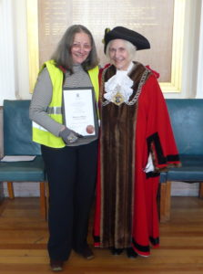 Bo with the Mayor - and her award!
